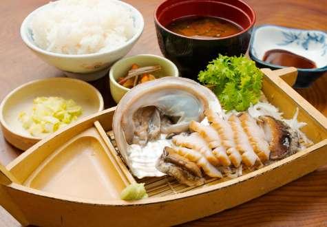 Abalone sashimi set