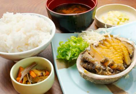 Grilled abalone set